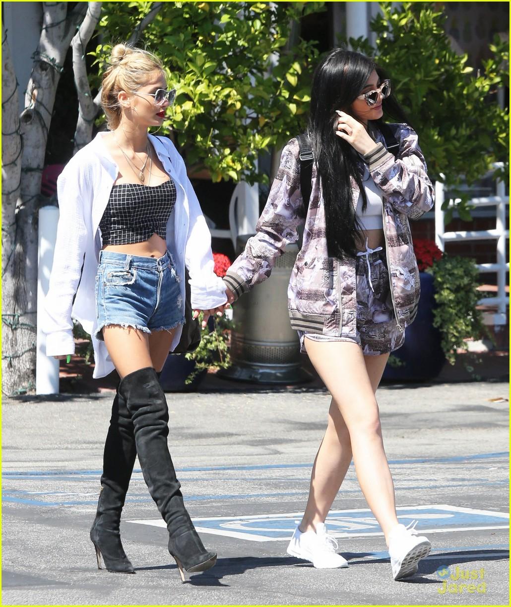 who is dating robert kardashian