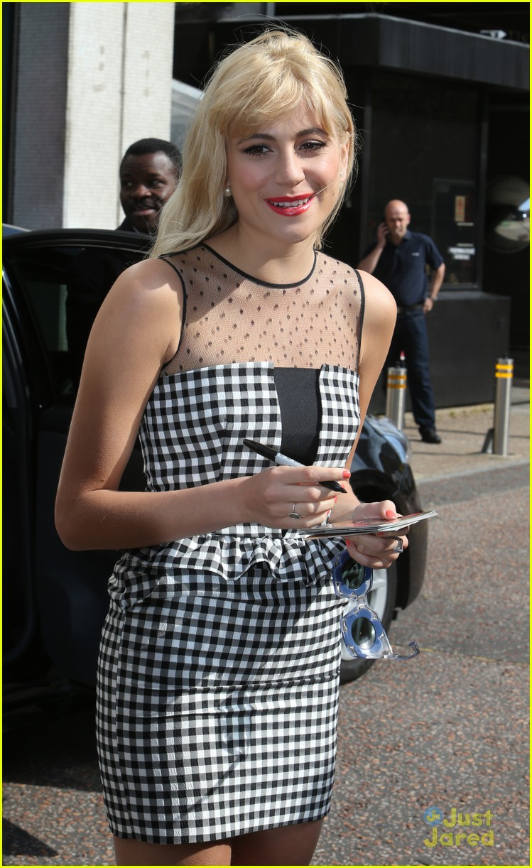 pixie lott funky glasses itv studios london 11