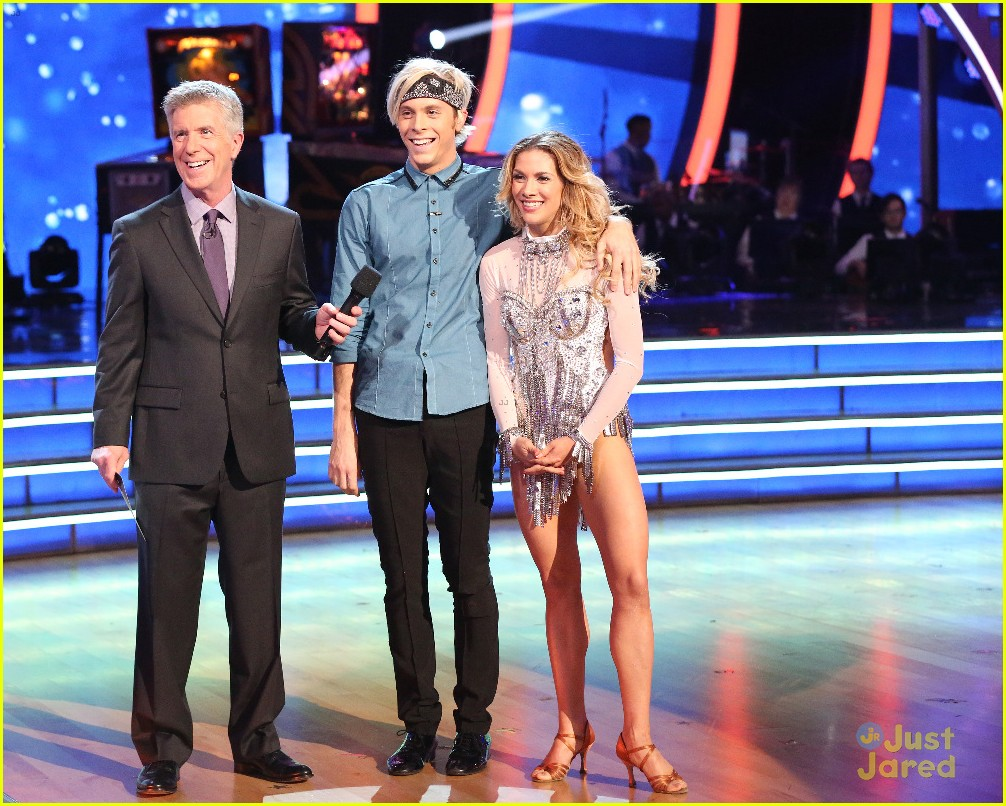 riker lynch allison holker turn up the heat with dwts samba