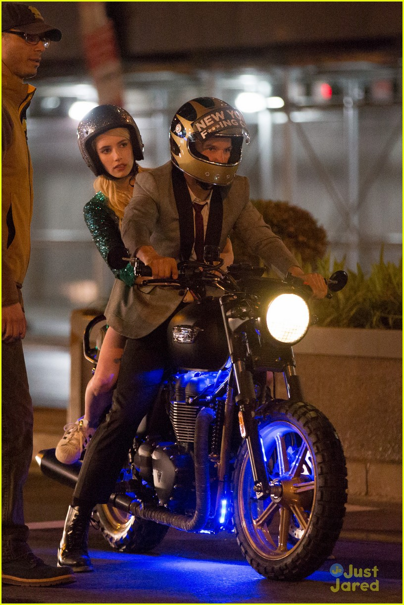 Emma Roberts Goes Sparkling Green For Nerve Motorcycle Scene Photo 800947 Emma Roberts Pictures Just Jared Jr