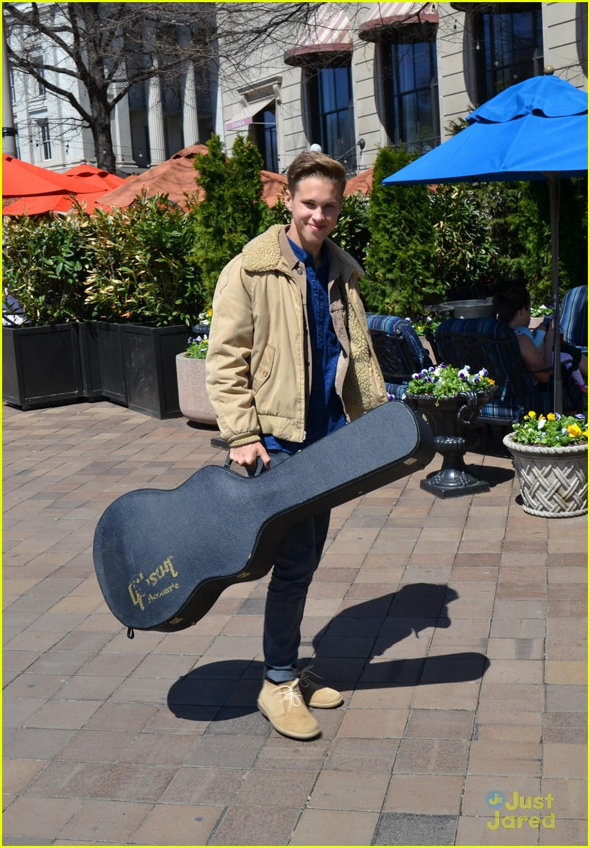 ryan beatty 2015 easter egg roll 02