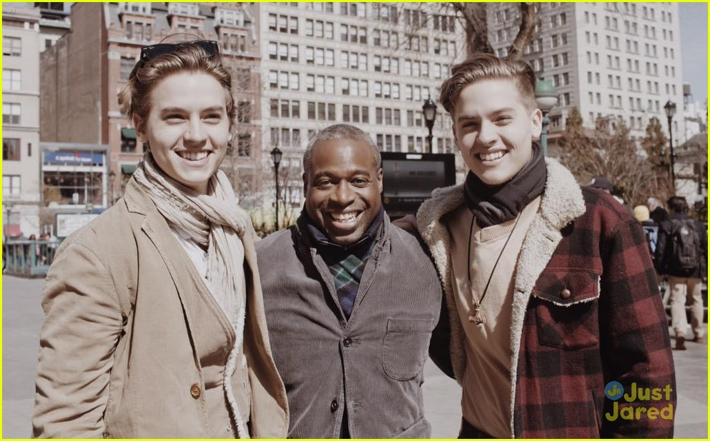 Dylan cole sprouse meet up with phill lewis in new york city cole dylan sprouse reunite phill lewis nyc 01 m4hsunfo