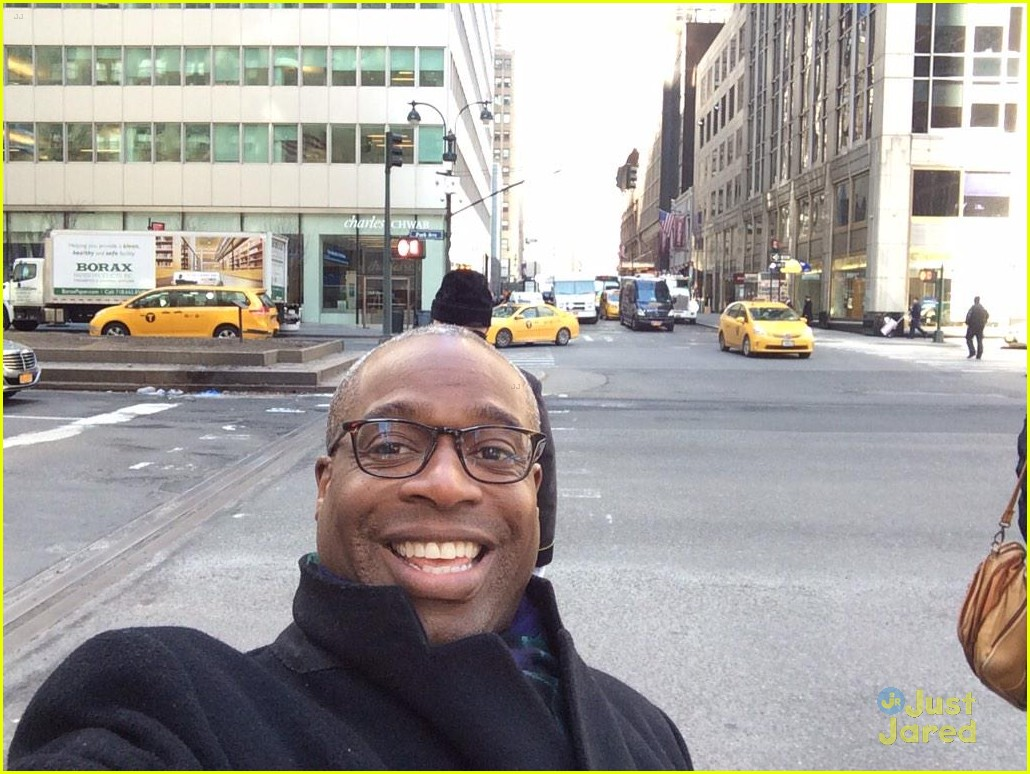 Dylan cole sprouse meet up with phill lewis in new york city cole dylan sprouse reunite phill lewis nyc 03 m4hsunfo
