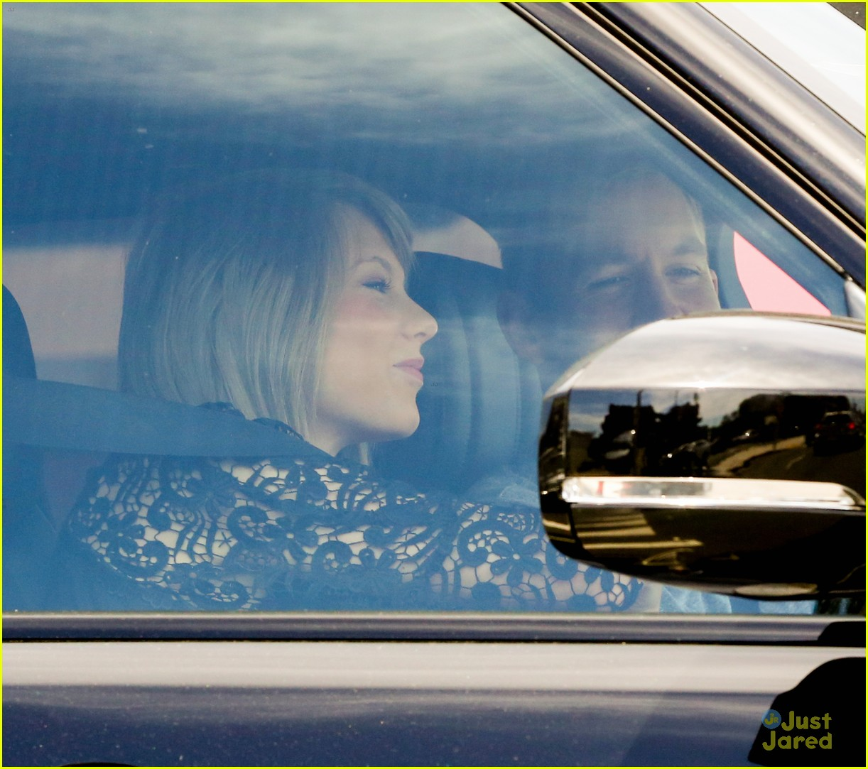taylor swift calvin harris pictured leaving her house 05