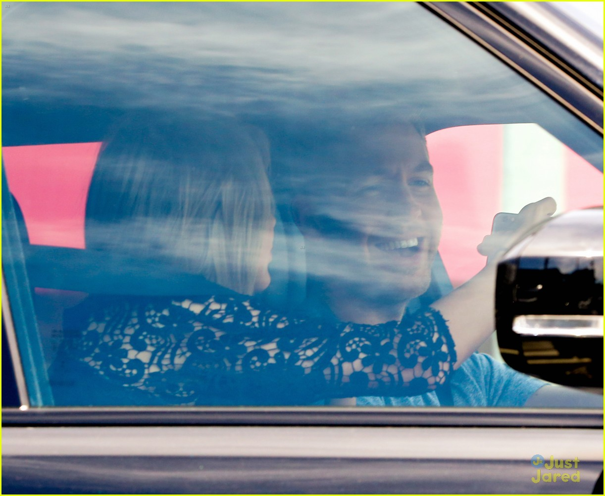 taylor swift calvin harris pictured leaving her house 25