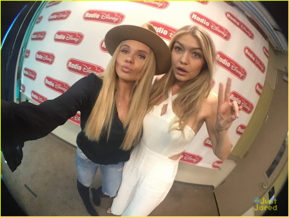 gigi hadid visited alli simpsons radio show 03