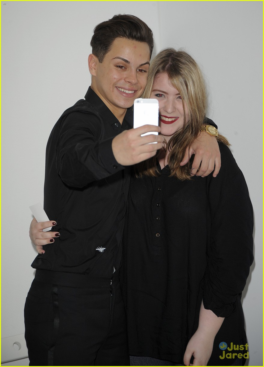 Jake t austin is so talented raves former fosters co star jake t austin bailee madison talented 03 m4hsunfo