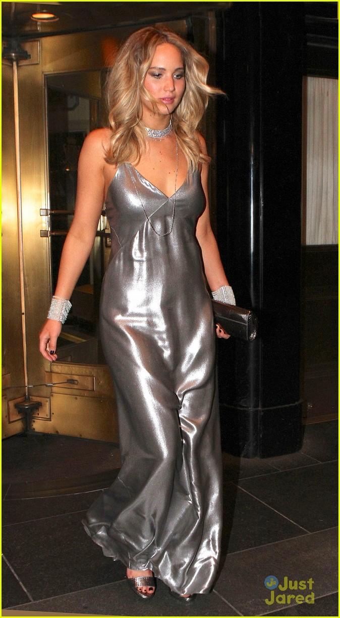 Jennifer Lawrence Rocks Silver Dress At Rihanna S Met Gala