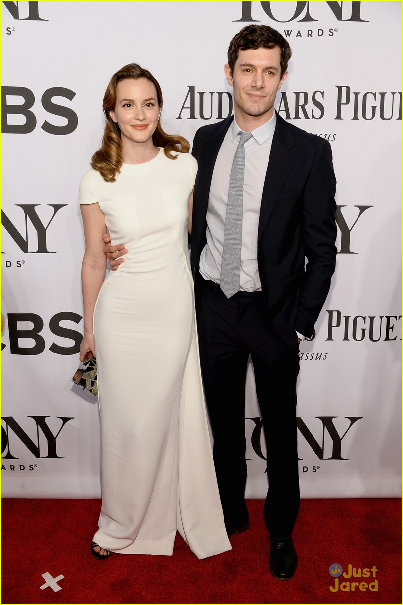 leighton meester pregnant expecting baby with adam brody 01