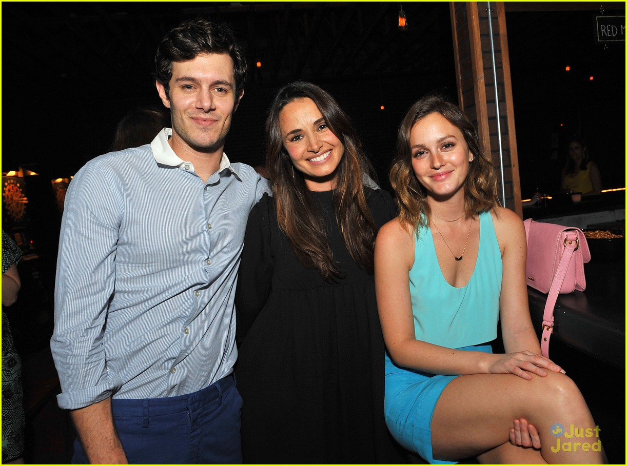 leighton meester pregnant expecting baby with adam brody 09