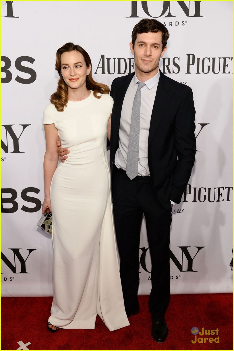 leighton meester pregnant expecting baby with adam brody 12