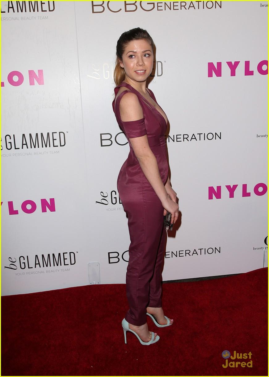 Vanessa Marano & Jennette McCurdy Kick Off Nylon\'s Young Hollywood ...