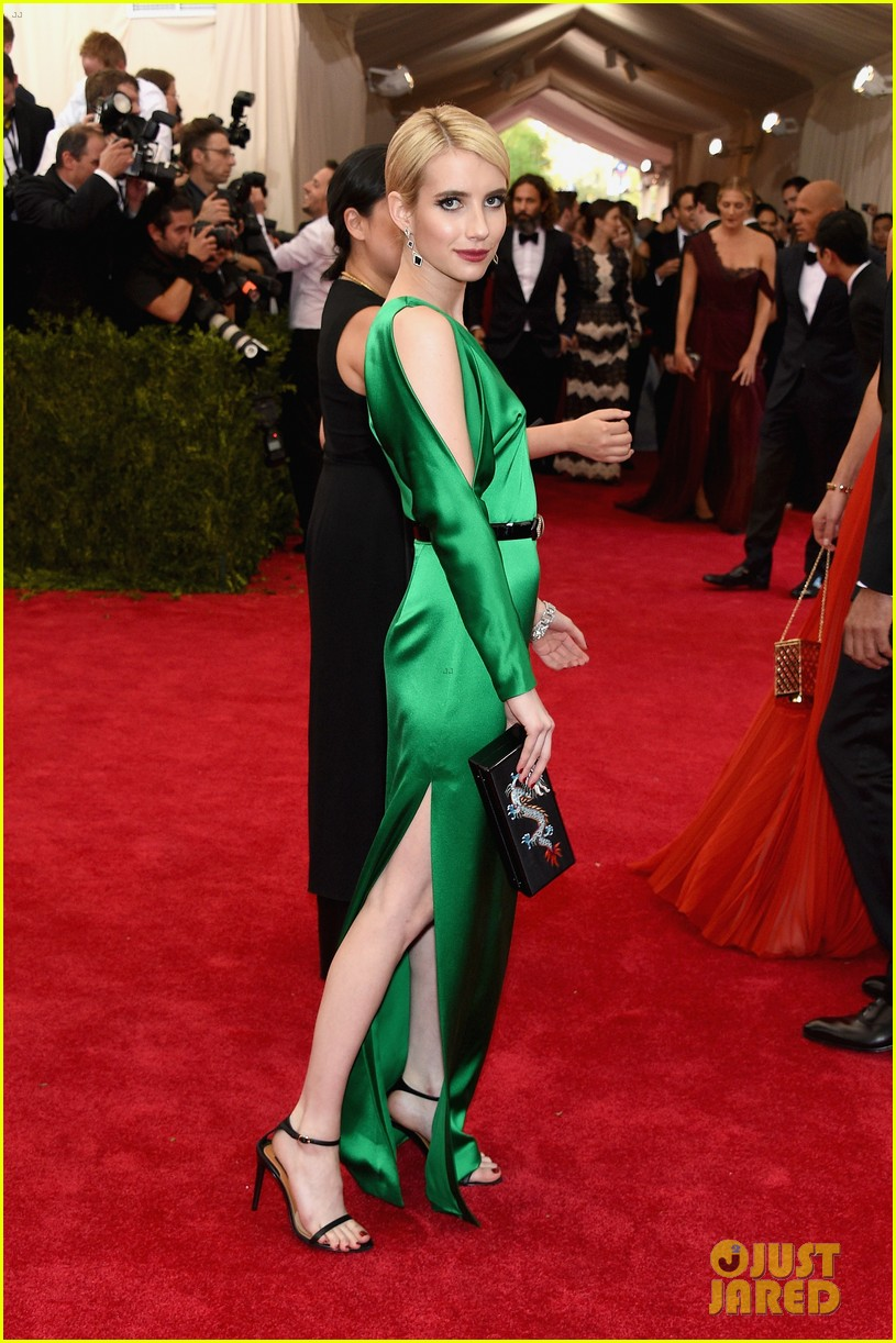 Emma Roberts Does Her Best To Not Wrinkle Her Ralph Lauren Gown at