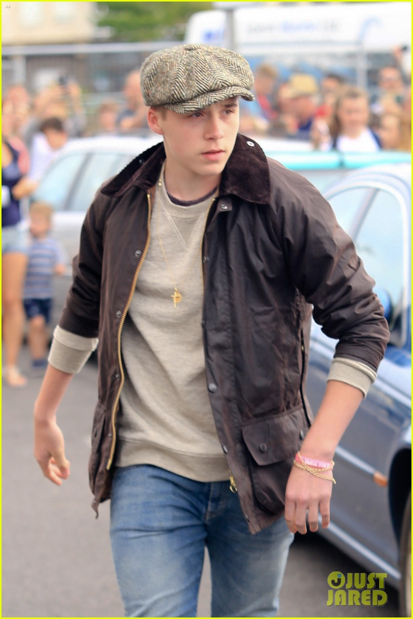 brooklyn beckham first driving lesson 07