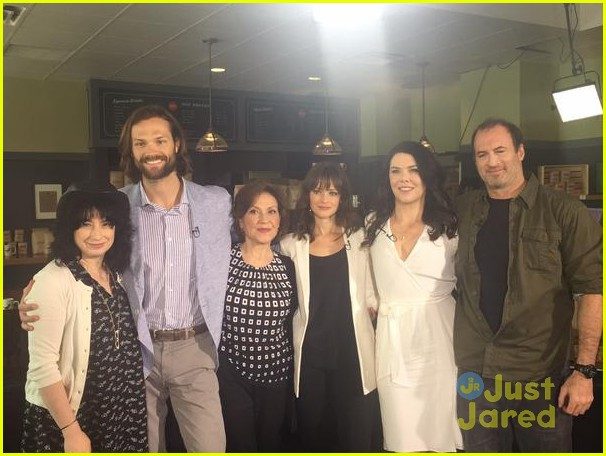 gilmore girls cast reunites eight years later 03