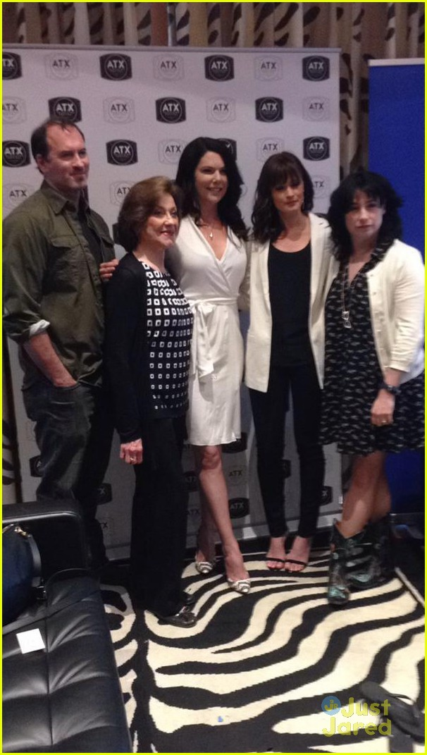 gilmore girls cast reunites eight years later 11