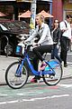 karlie kloss bikes around nyc moscow return 06