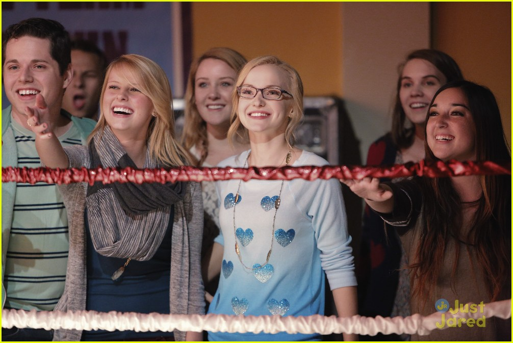 liv maddie battle bands stills 01