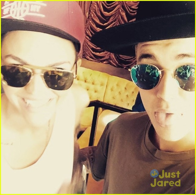 oitnbs ruby rose finally meets her twin justin bieber 01