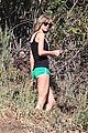 taylor swift hiking backwards 01