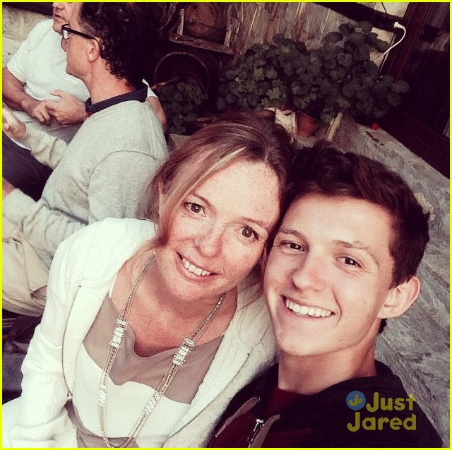 Who is tom holland meet the new spider man photo 829383 photo tom holland spider man 10 m4hsunfo