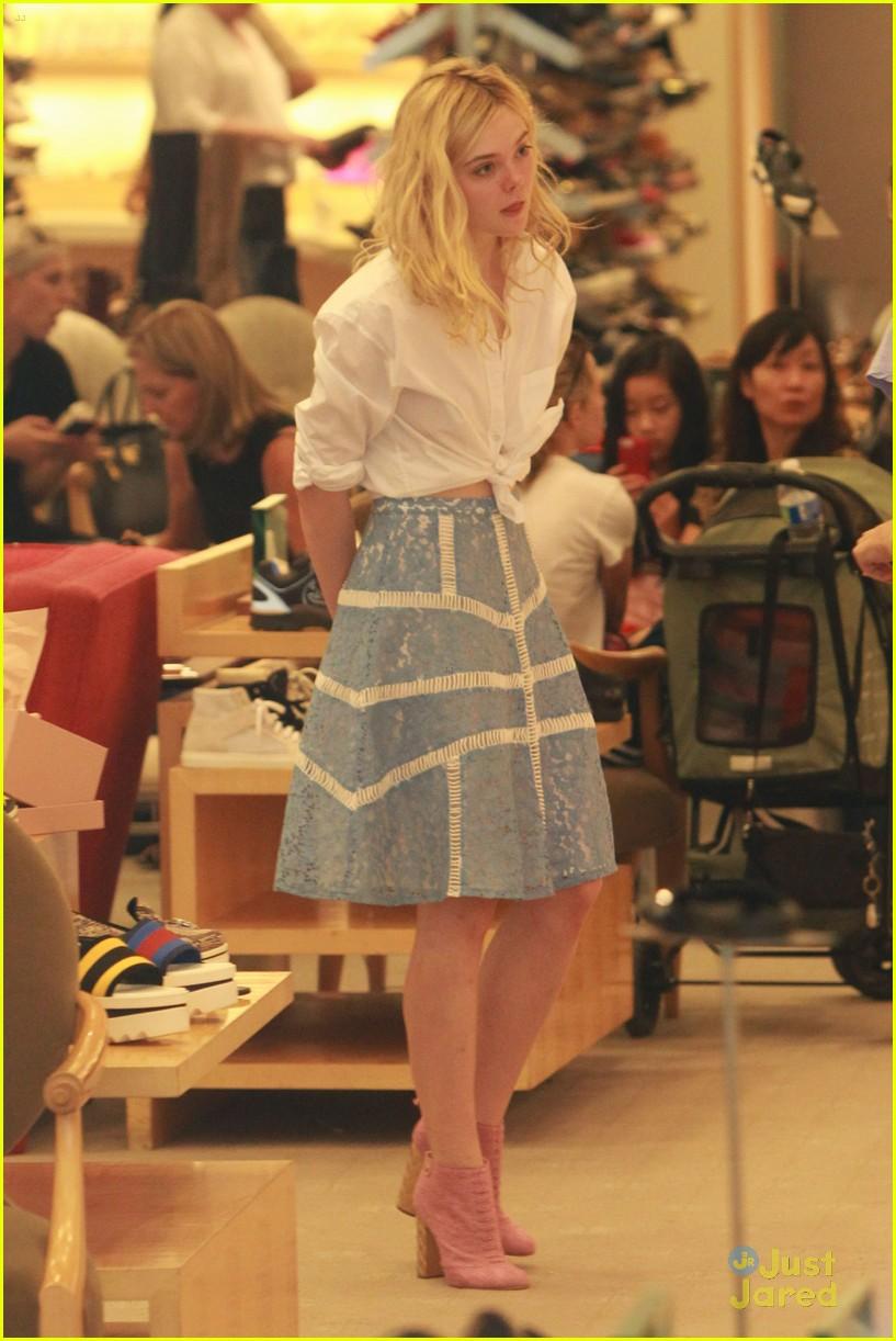 elle fanning shoe shopping joy workout other errands 09