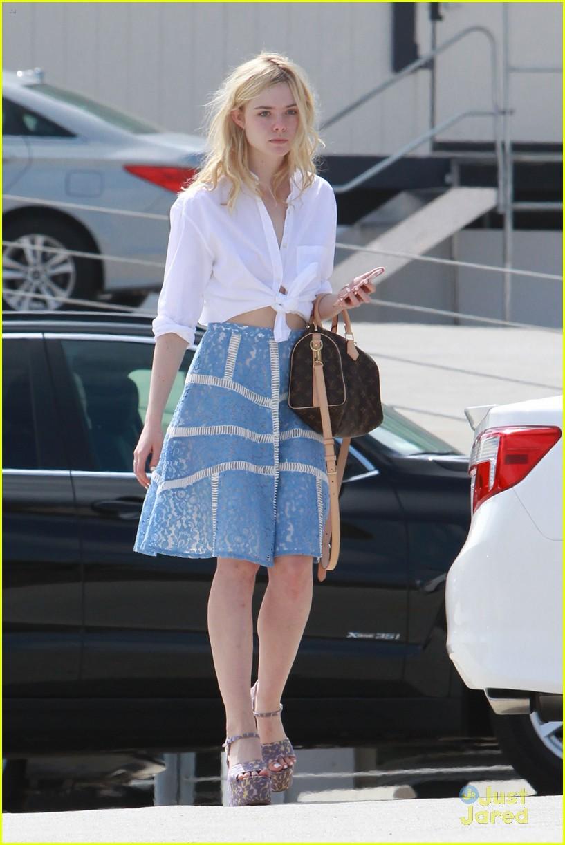 elle fanning shoe shopping joy workout other errands 14