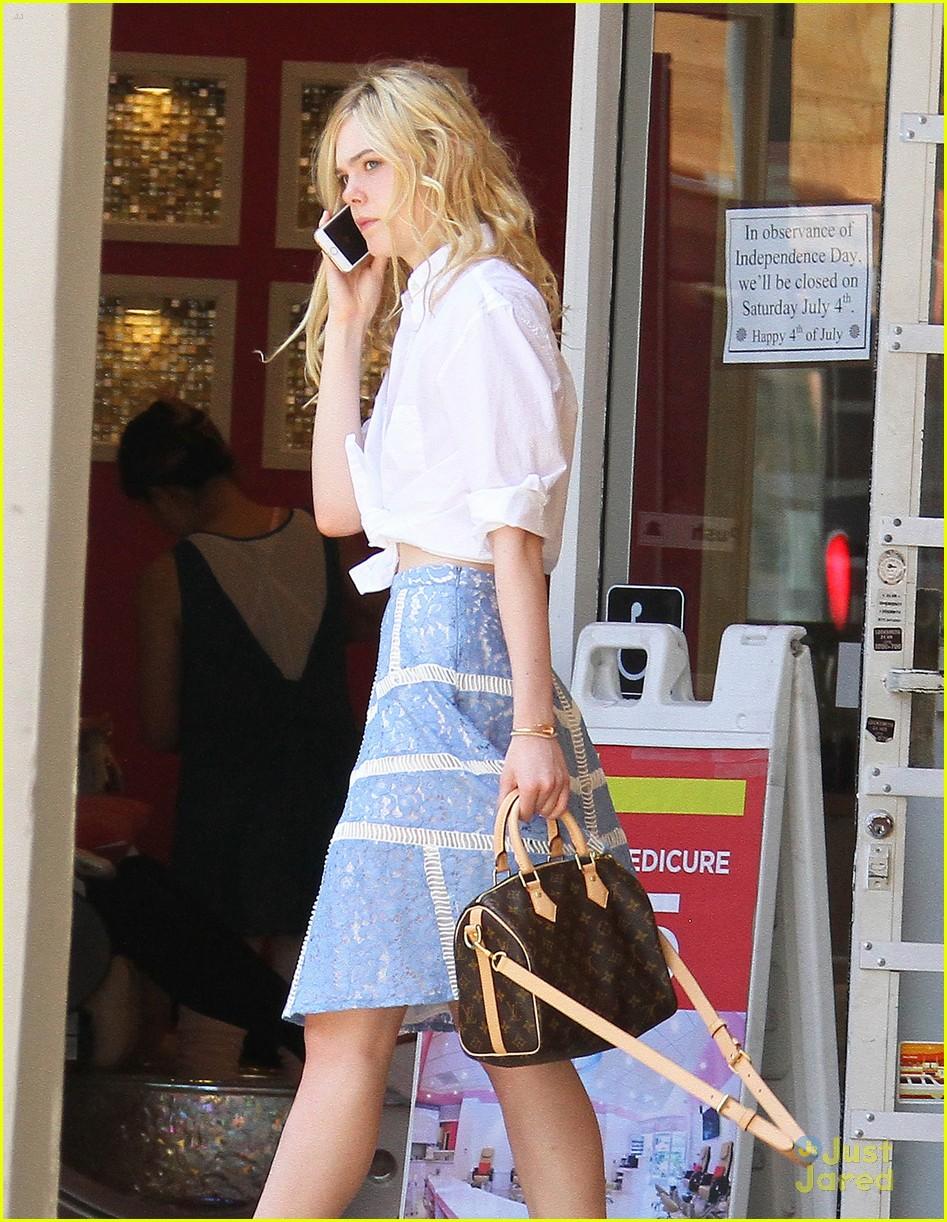 elle fanning shoe shopping joy workout other errands 17
