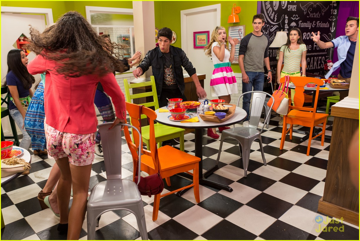 Every Witch Way\' Cast Dances It Out With \'Talia In The Kitchen\' Cast ...