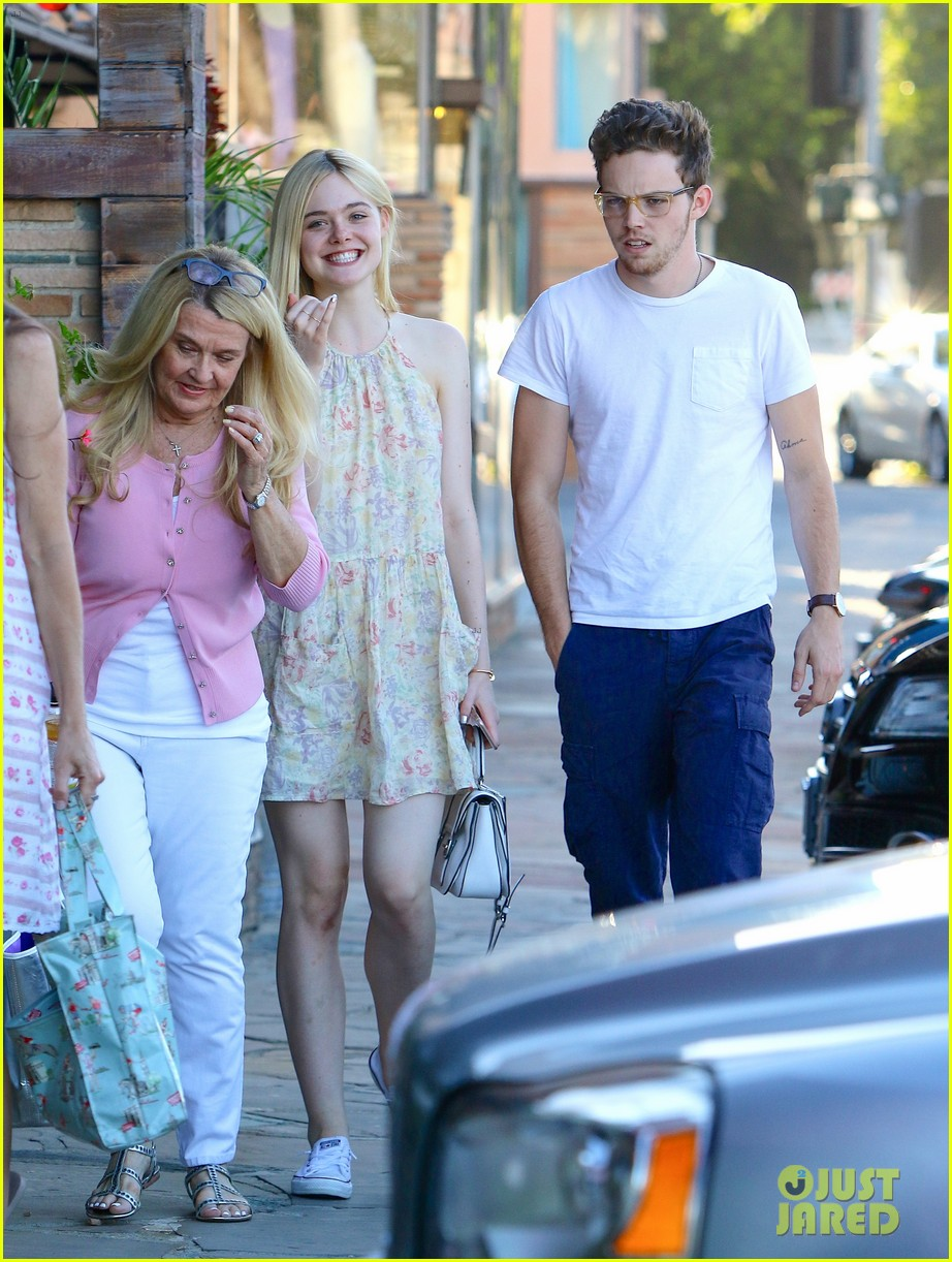 Elle Fanning And Boyfriend Elle Fanning Ha...