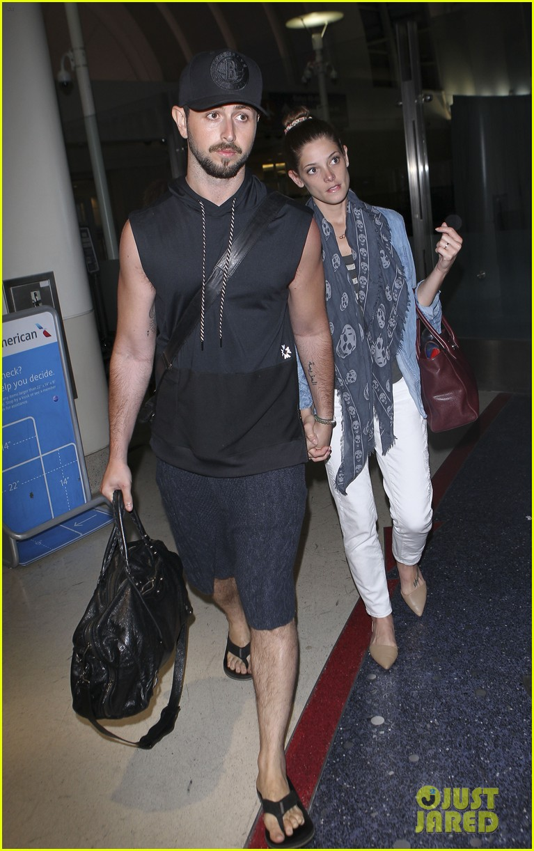 ashley greene paul khoury still going strong 01