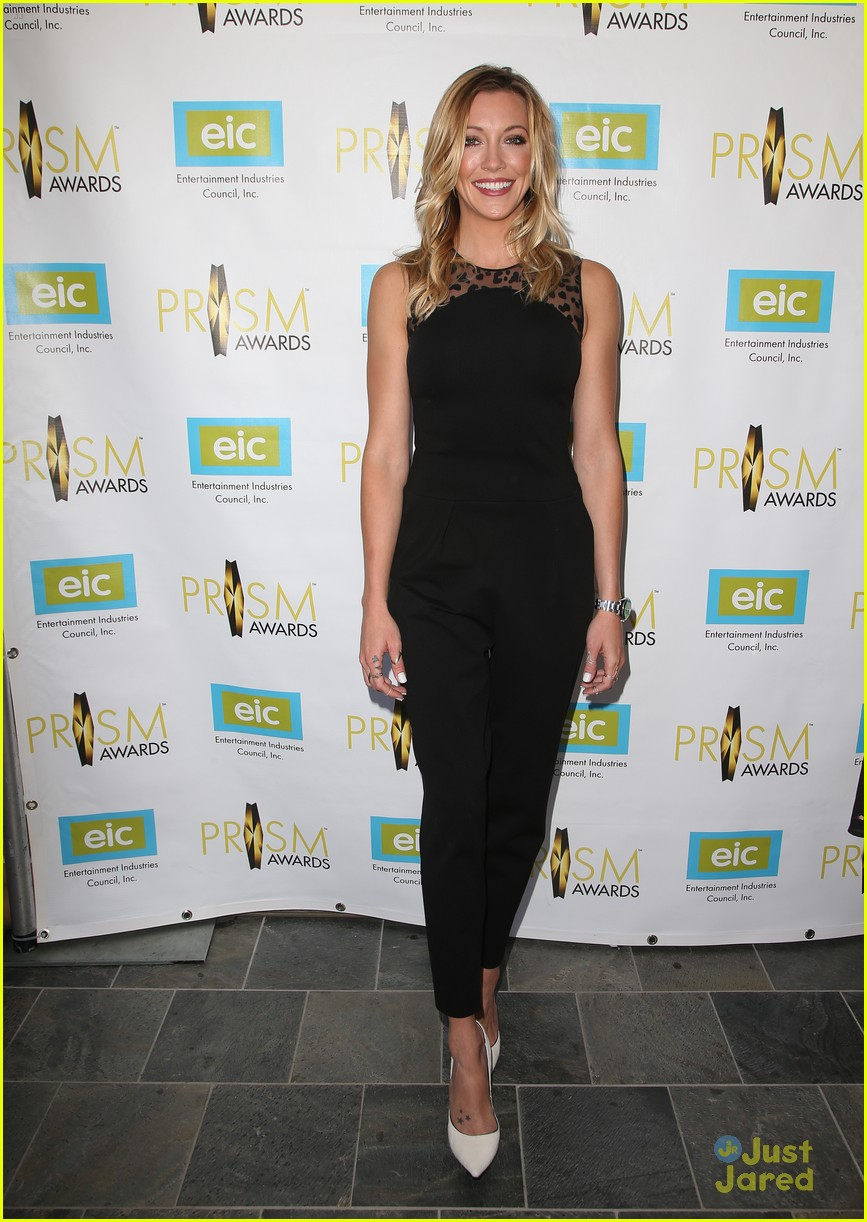 katie cassidy prism awards los angeles win 02