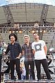 one direction drag me down gma 13