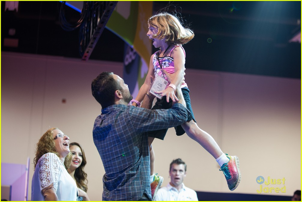 Maia mitchell jonathan sadowski hit up abc family meet greet at maia mitchell jonathan sadowski abc family casts d23 expo 03 m4hsunfo Image collections