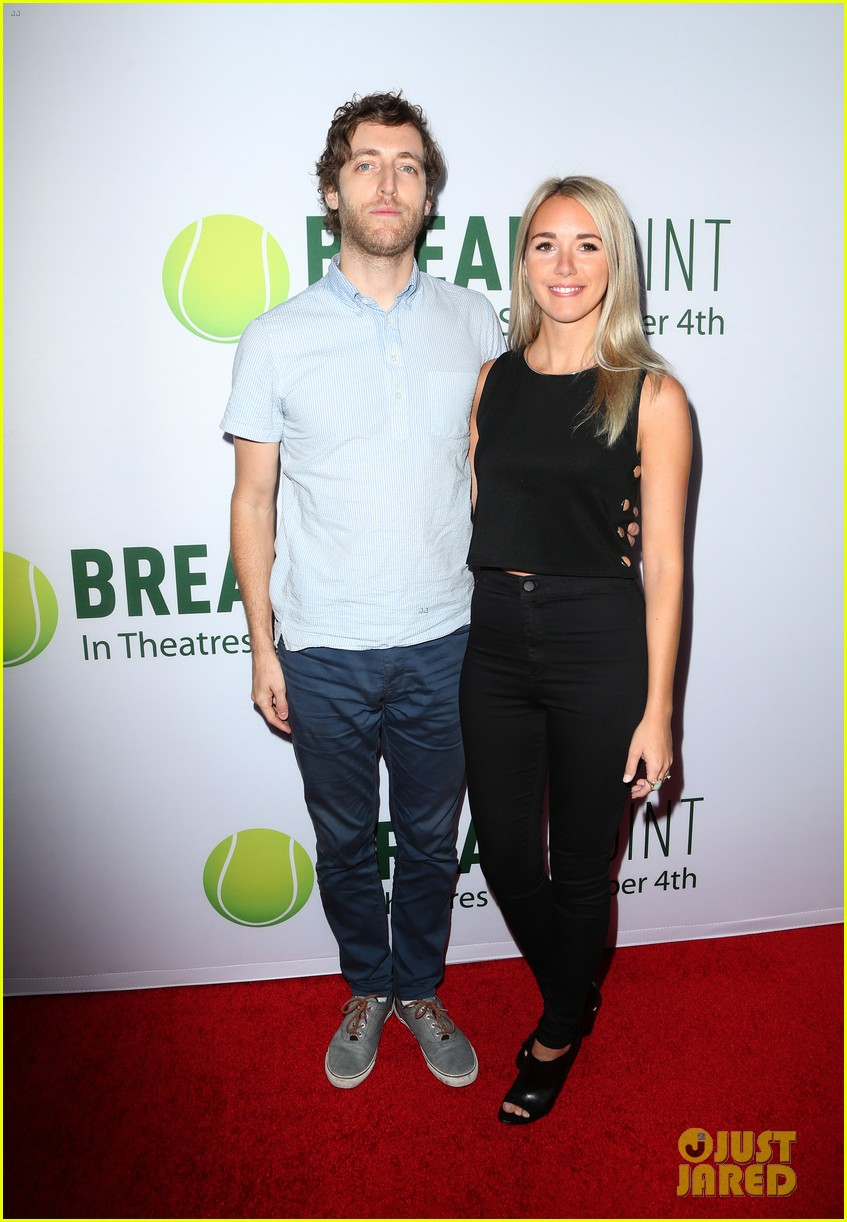 pregnant brooklyn decker supports break point at hollywood screening 42