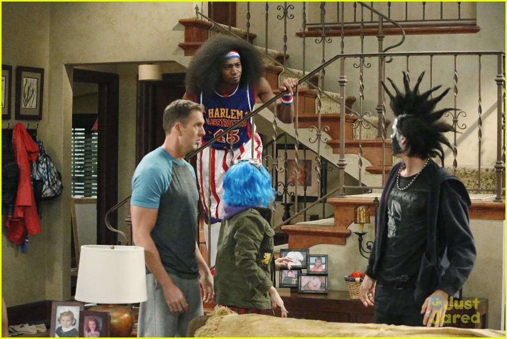 Avery Has Blue Hair Tyler Is A Heavy Metal Rock Fan More Weird