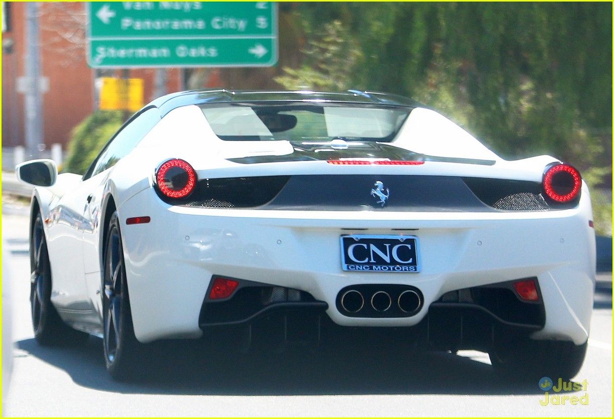 Kylie Jenner Returns From Mexico Drives In Her Ferrari Photo 851227 Kylie Jenner Tyga Pictures Just Jared Jr