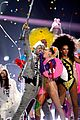 miley cyrus mtv vmas 2015 performance 09