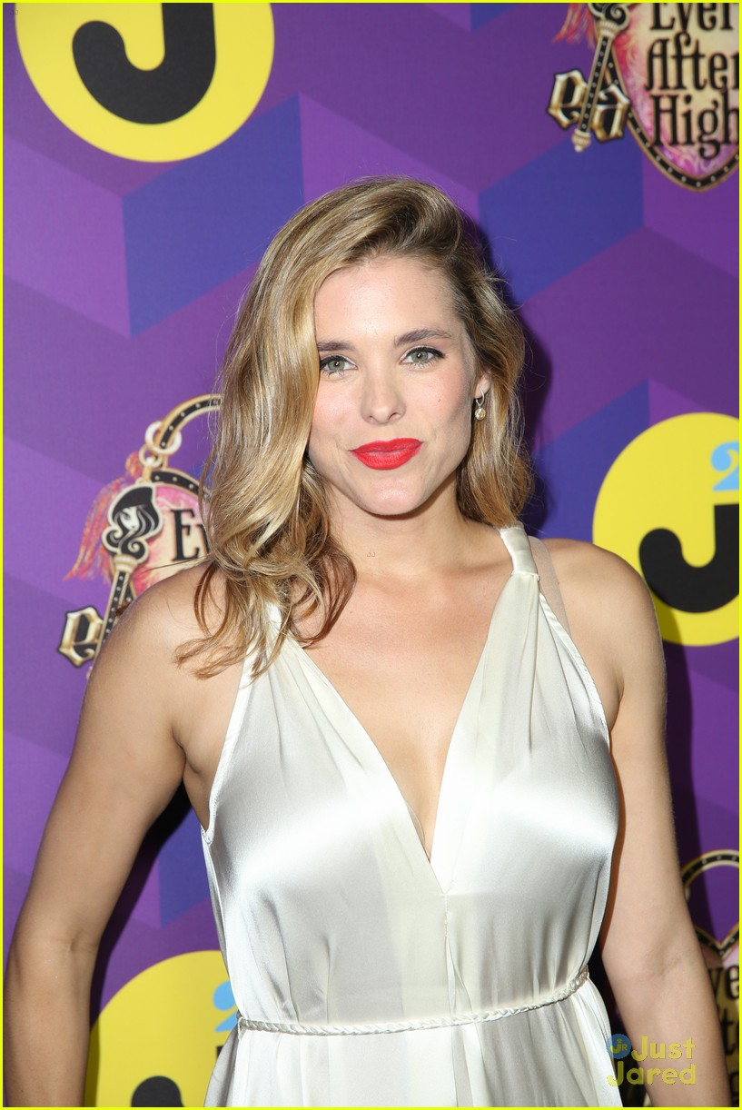 italia ricci katie stevens just jared wonderland party 17