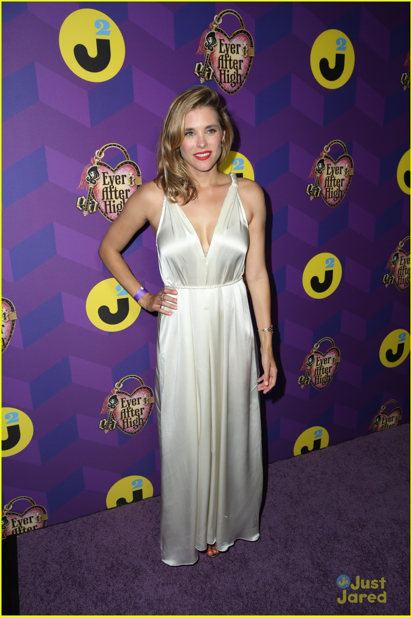 italia ricci katie stevens just jared wonderland party 33