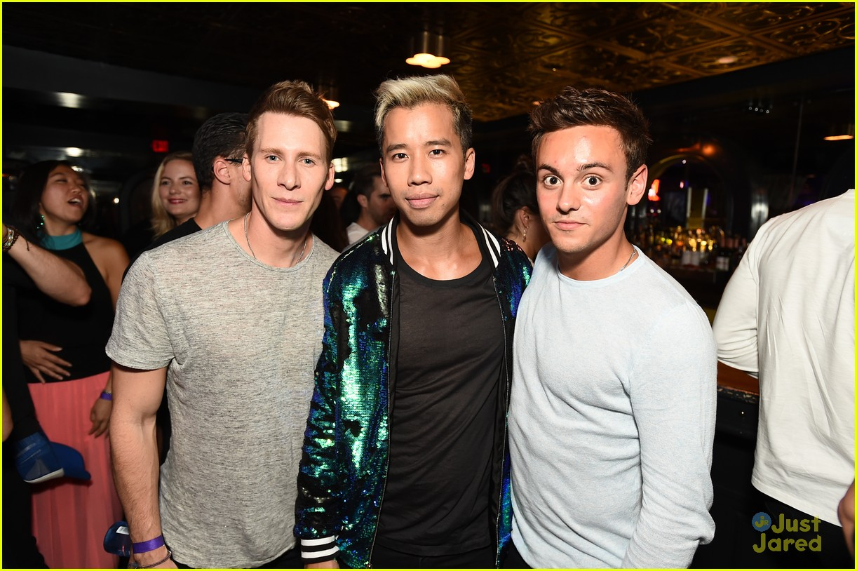 tom daley dustin lance black just jared wonderland party 01