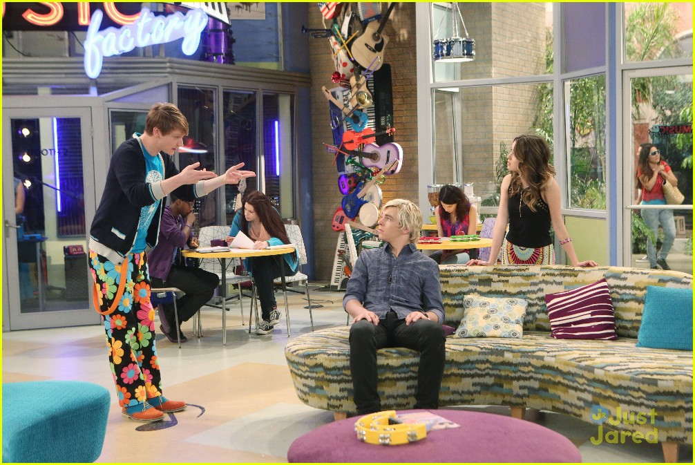 Are austin and ally still dating