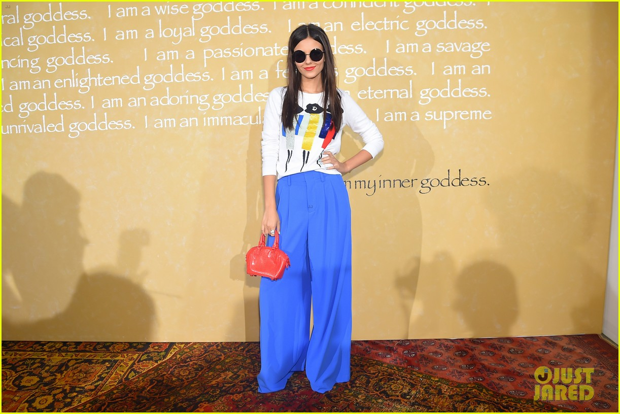 victoria justice joey king alice olivia nyfw 09