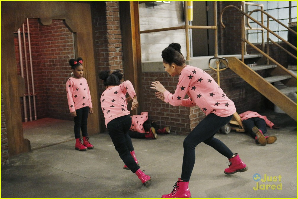 kc undercover raven symone runaway robot special 21
