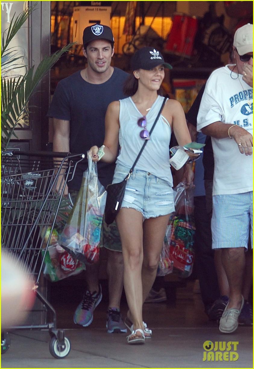 michael trevino alexandra chando shopping together 02