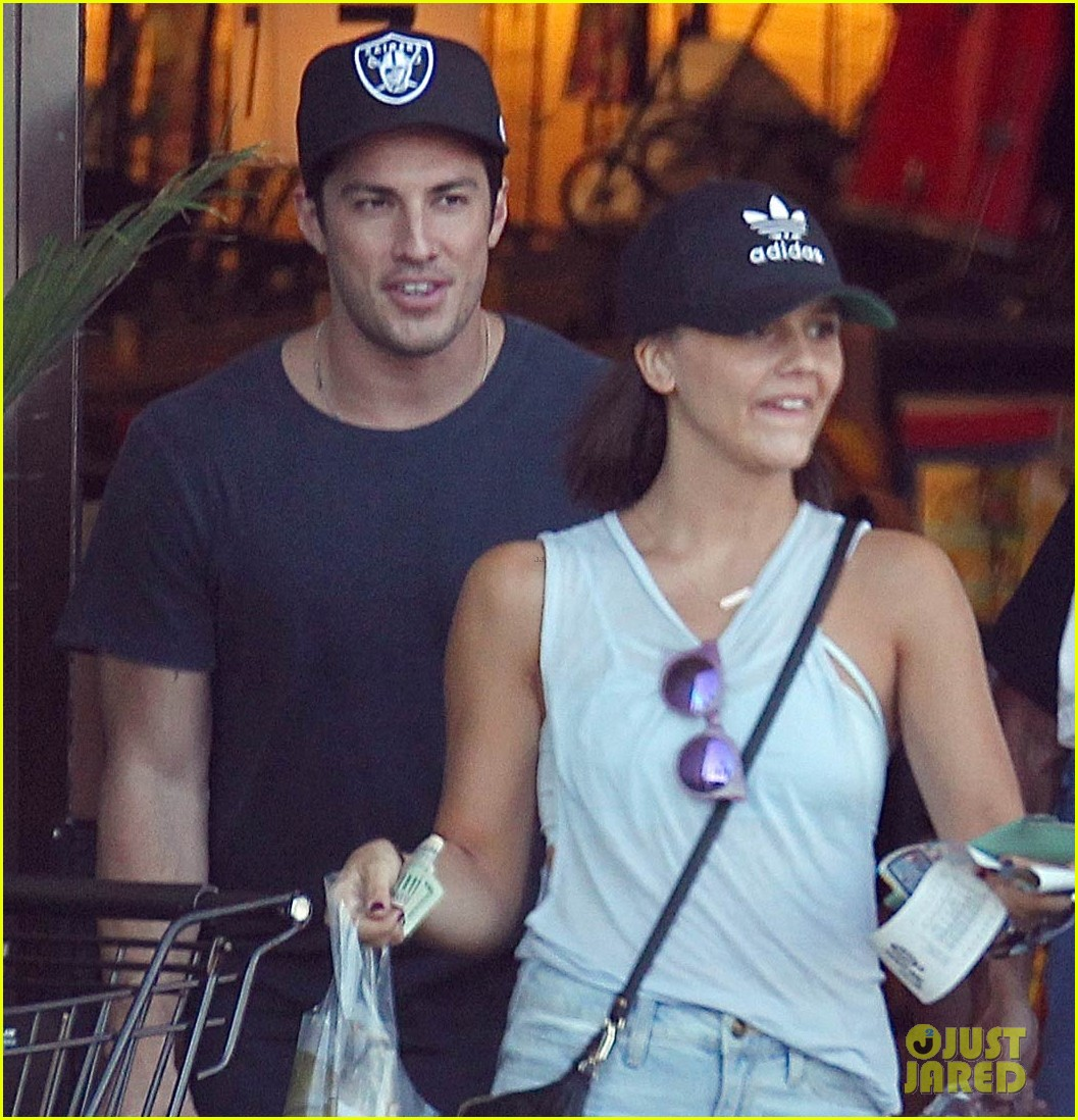 michael trevino alexandra chando shopping together 05