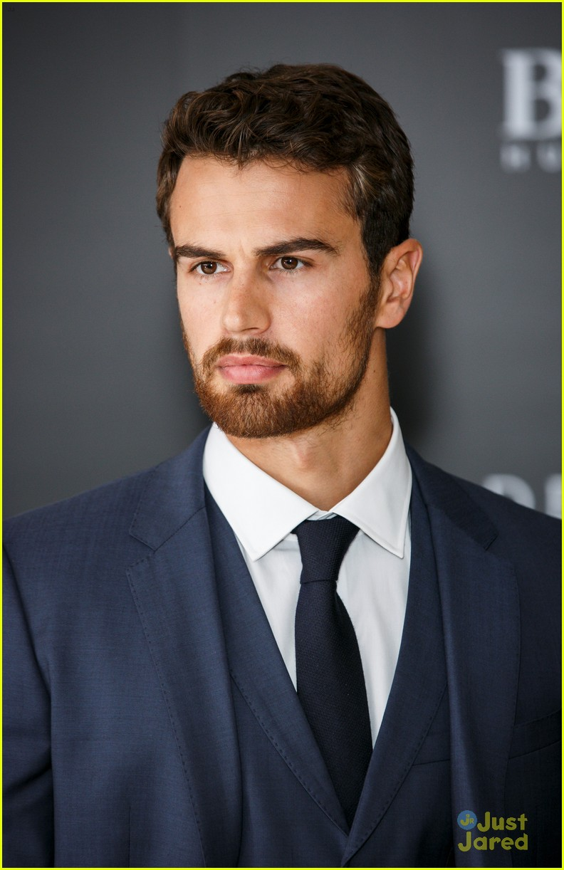 Theo James Says Confidence Is Related to Appearance ...