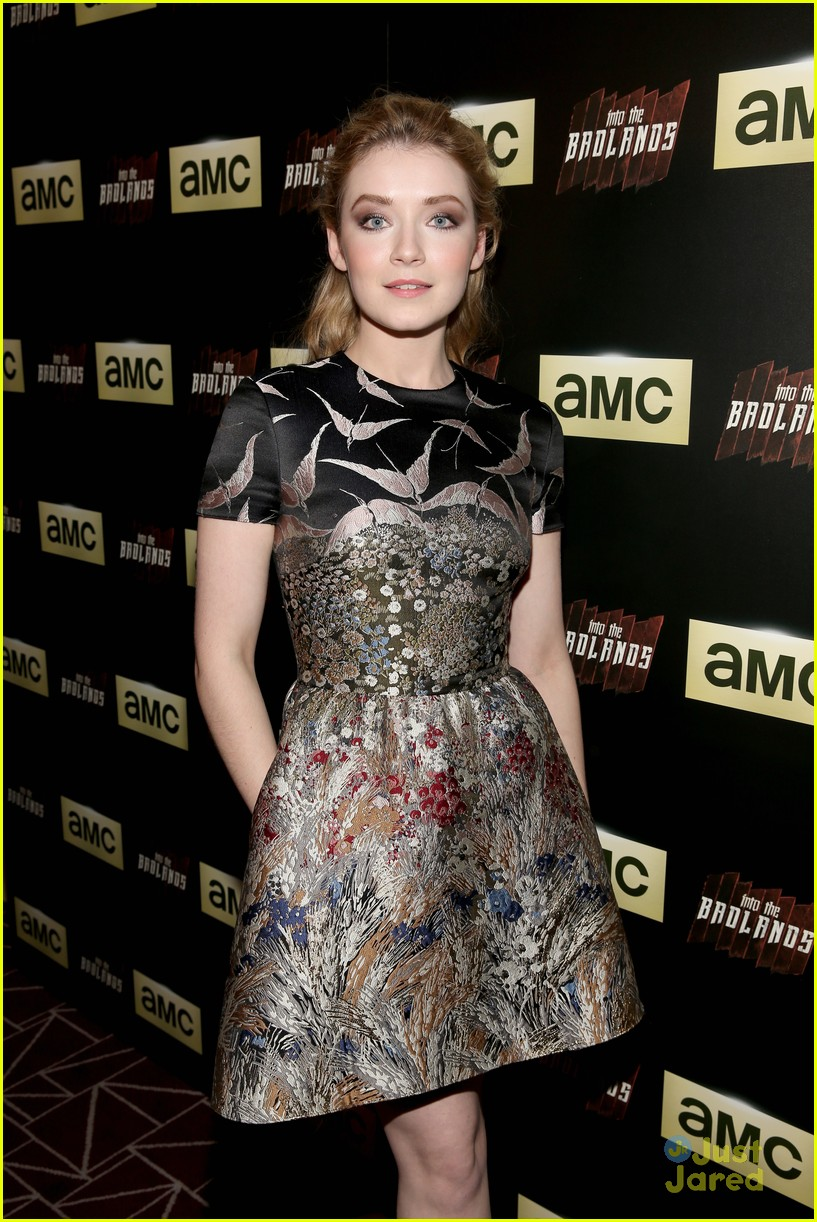 aramis knight sarah bolger into badlands premiere 07