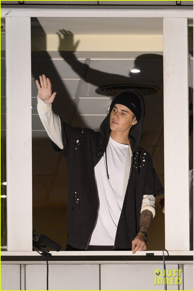 justin bieber walks out of interview 24