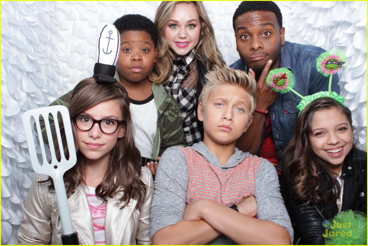 Brec Bassinger & Game Shakers Cast Celebrate Halloween With ...